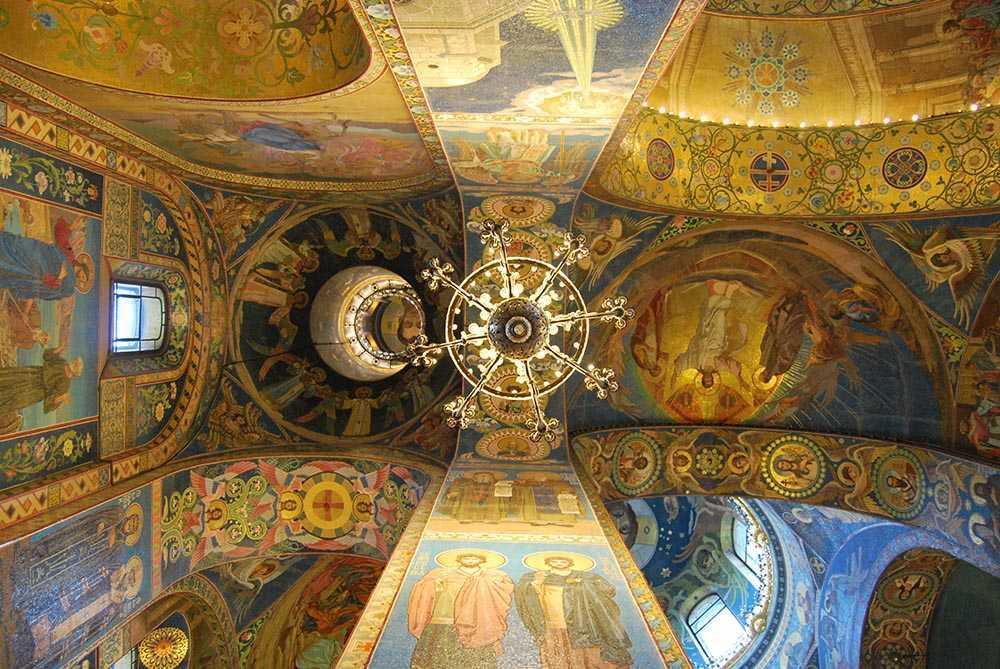 Храм Спаса-на-Крови внутри