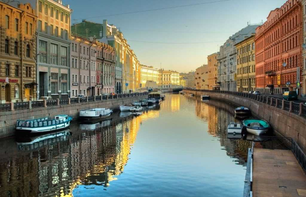 Водные прогулки по Петербургу