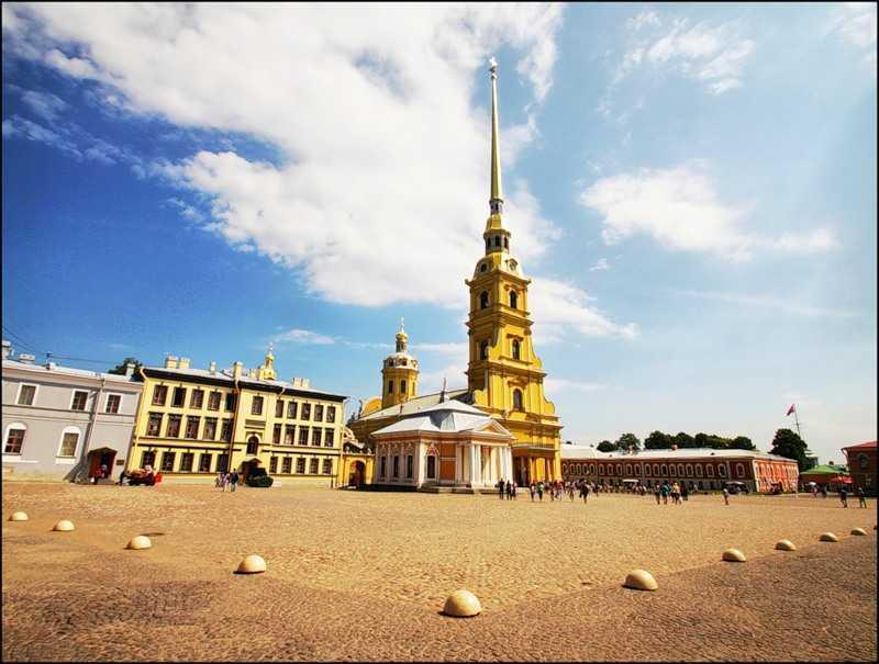 Соборная Площадь в Петропавловской крепости