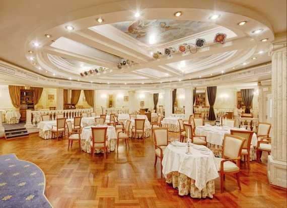 Зал ресторана «Ф.М. Достоевский» - идеальное место для свадебного торжества