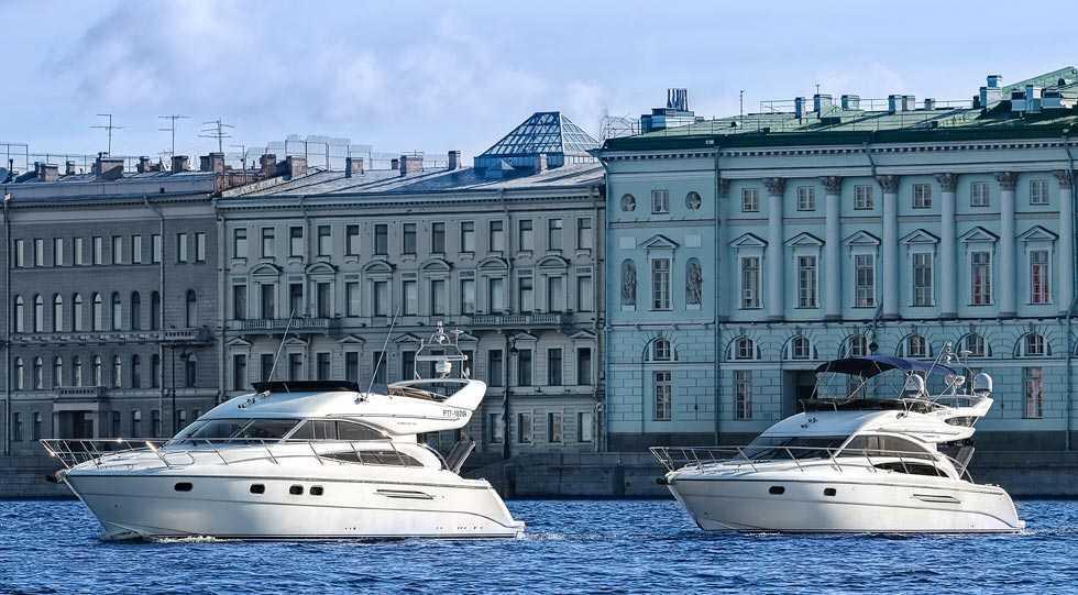 Прогулка на шикарной яхте по рекам Санкт-Петербурга – это мечта!