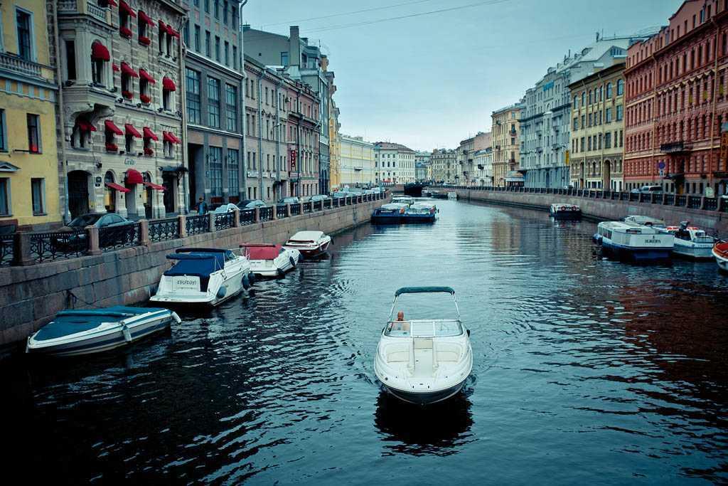 Аренда катера в Петербурге