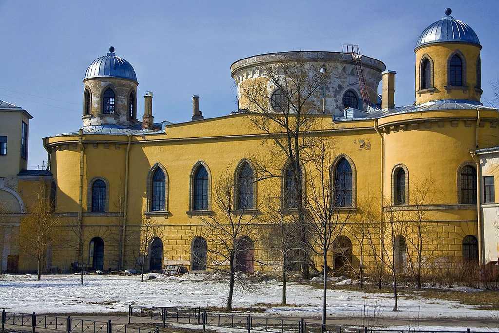Чесменский дворец и церковь