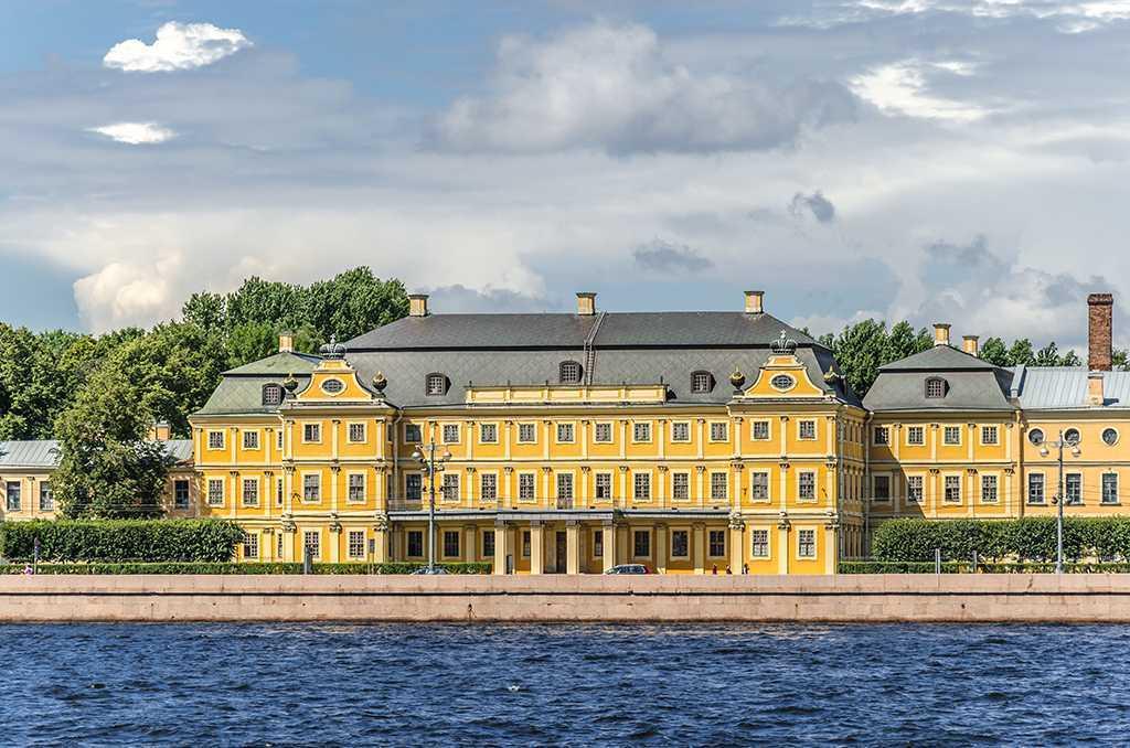 Дворец князя Меншикова