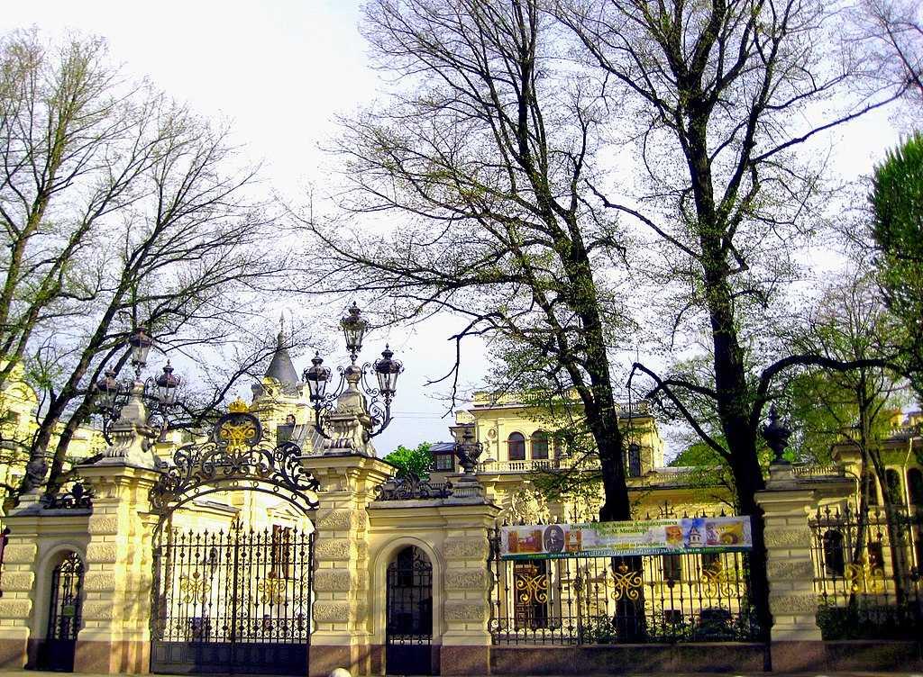 Алексеевский дворец